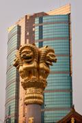 Golden lions roof top jing an temple shanghai china Stock Photos