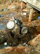 Auton joen tsunamin jälkeen, Khao Lak, Thaimaa Kuvituskuvat