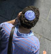 Mies yllään juutalainen Kippa, Jerusalem, Israel Kuvituskuvat