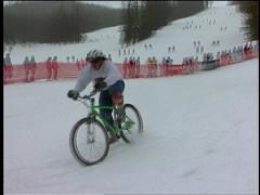 Hillarious Snowbike Crash Arkistovideo