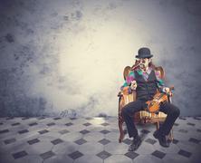 Nuori viulisti mies vintage huone Kuvituskuvat
