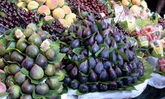 fig fruits at the market - stock photo