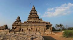 India Tamil Nadu Mahabalipuram Shore Temple bird lights on the gopuram 8 Stock Footage