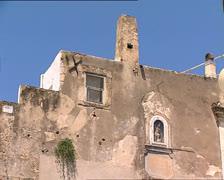 PESCHICI castle ruins tilt Stock Footage