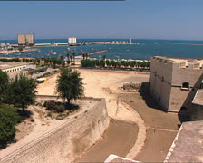 BARLETTA port and castle pan Stock Footage