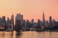 Kaupunkien kaupungin siluettia, new york city Kuvituskuvat