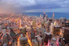 Chicago ilmakuva iltahämärässä Kuvituskuvat