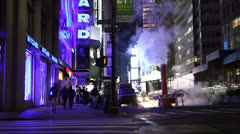 NY new york steamy steam night with people and traffic Stock Footage