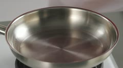 Sealing joint of beef in a frying pan Stock Footage
