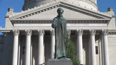 West Virginia Charleston, capitol, and Lincoln statue zoom Stock Footage