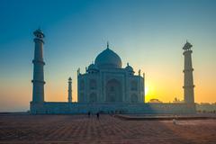 Taj mahal at sunrise, agra, india Stock Photos