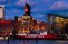 Baltimoren akvaario, voimanlähteen, ja Chesapeake Lightship aikana hämärä Kuvituskuvat