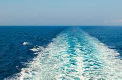Veneen vanavedessä mereen Kuvituskuvat