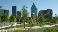Dallas skyline from klyde warren park, texas, usa Stock Footage