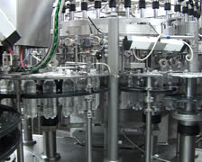 Conveyor for the production of carbonated drink Stock Footage