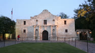 Stock Video Footage of tourists visit the alamo at dusk, san antonio, texas, usa