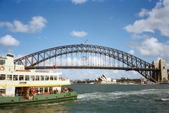 Sydney Harbour Bridge ja lautalla, Australia Kuvituskuvat
