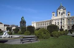 Austria, Vienna, view of Natural History Museum, Maria Theresa monument and Stock Photos