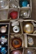 A box of Christmas ornaments Stock Photos