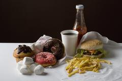 Stereotyyppinen amerikkalainen pikaruokaa aterian ja välipalan ruoka Kuvituskuvat