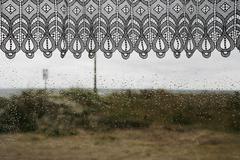 Sadepisarat on ikkuna Kuvituskuvat