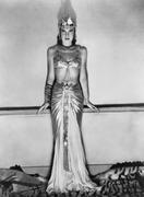 Portrait of nainen dramaattinen Egyptin puku Kuvituskuvat