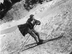 Man hiihto - stock photo
