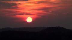 Big red ohio hills hazy sunset Stock Footage
