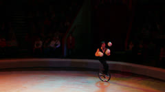 Juggler during perfomance in circus Stock Footage