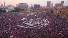 Crowds gather in Tahrir Square in Cairo, Egypt. Stock Footage