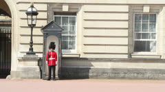 Soldier in sentry box at Buckingham Palace Stock Footage