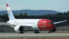 Airplane B787 Dreamliner Stock Footage