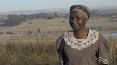 Africanwirebaskets womanseller largebasket Stock Footage