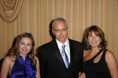 Dr. drew pinsky and family.2009 prism awards.held at the beverly hills hotel. Kuvituskuvat