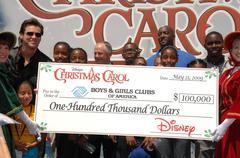 Jim Carrey, pojat ja tytöt Club of America kids.official käynnistää Disneyn Kuvituskuvat
