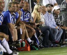 Ashton kutcher (r) .soccer match-up of chelsea fc v inter-milan to benefit la Stock Photos