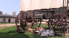 Cover wagon, Sutters Fort Stock Footage