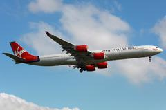 Virgin atlantic airbus a340-600 Stock Photos