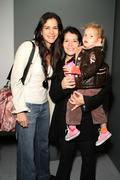 """Patricia velasquez with life partner & daughter.""""journey: images of war/celeb Stock Photos"""