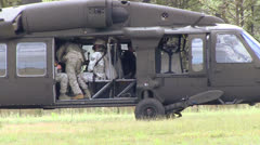 UH-60 - Blackhawk Soldiers Boarding 04 Stock Footage