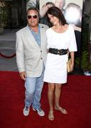 """Don johnson and wife kelley phleger.""""funny people"""" los angeles premiere.held Stock Photos"""