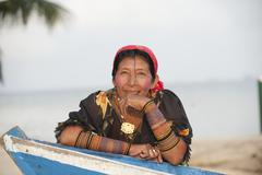 Woman facing the camera kuna yala panama Stock Photos