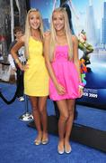 becky rosso, milly rosso.los angeles premiere of dreamworks animation's monst - stock photo