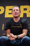 "lance armstrong.nike sportswear and lance armstrong launches ""stages"" .held a - stock photo"