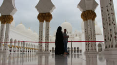 Sheikh Zayed Grand Mosque in Abu Dhabi (65) Stock Footage