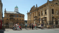 Bodleian library, oxford, england on a sunny day Stock Footage