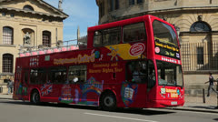 Sightseeing bus, oxford, england Stock Footage