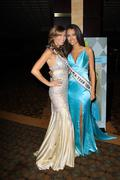Stock Photo of miss california 2009 tami farrell and miss california teen usa chelsea gillig