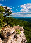 View from annapolis rocks, along the appalachian train on south mountain, mar Stock Photos