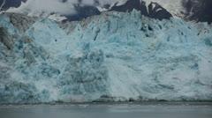Small glacier calving clip Stock Footage